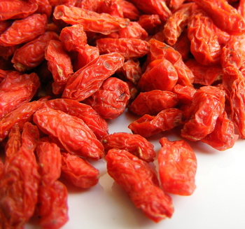 organic goji berries, goji berries benefits, live superfoods, secretagogue hgh